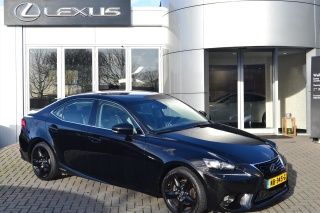 Lexus-IS
